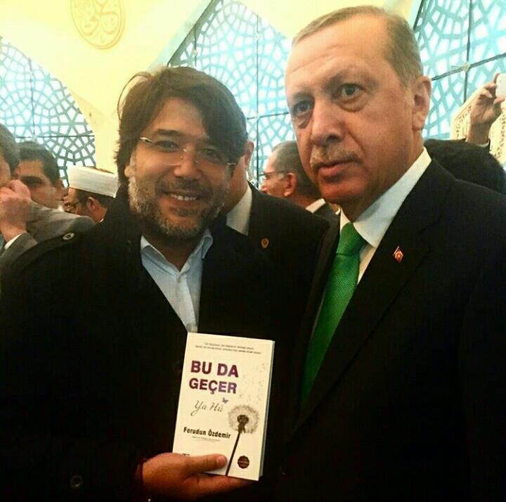 Cumhurbaşkanı Recep Tayyip ERDOĞAN Yazar Ferudun ÖZDEMİR'i Tebrik Etti
